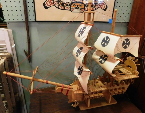 MODEL OF VINTAGE SAILING SHIP