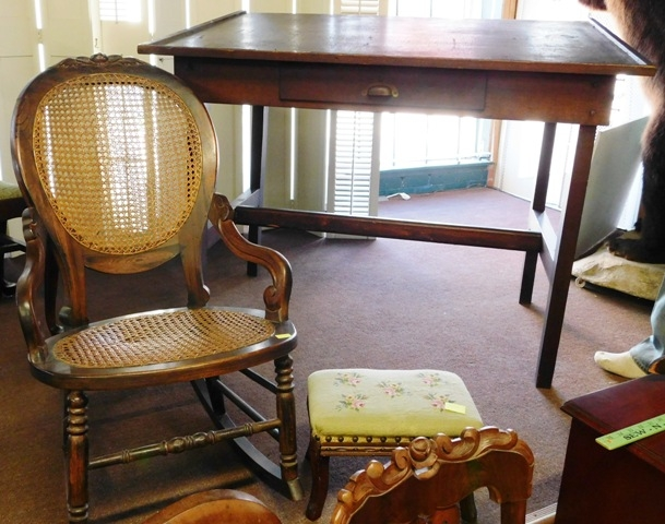 OAK 1900's BOOKKEEPERS DESK FROM THE MUMFORD. TX RR DEPOT + 1800's...