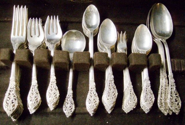 REED & BARTON - FLORENTINE LACE STERLING FLATWARE, APX 91 PCS