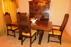 """THOMASVILLE SPANISH STYLE DINNING ROOM SUITE~ Table, 44x66"""", Three skirted leaves in varing sizes; Set 6 Chairs; Display Crendeza - 56"""